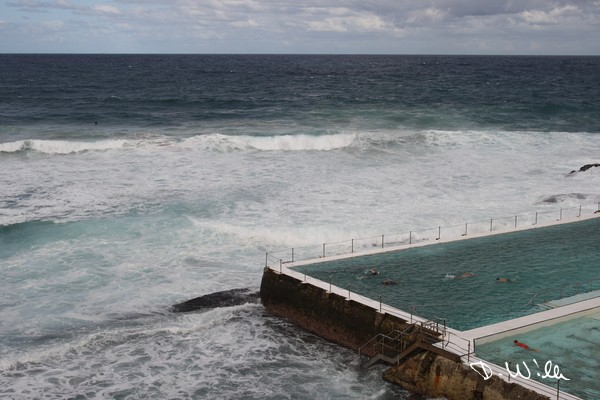 Bondi Icebergs Swimming Club close to the waves of the ocean, Sydney, NSW, Australia