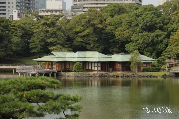 Tea ceremony house at the Hamarikyu Garden, Tokyo, Japan
