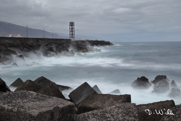 Sea wall at Puerto de la Cruz (long exposure), Teneriffe, Spain