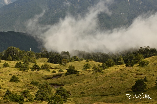Clouds hovering above the mountains, Hehuanshan, Taiwan